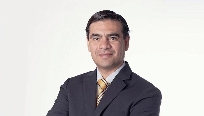 """Dr. Cristián Muñoz, decano FAE: """"Somos claves para el desarrollo del país y tenemos que ser un aporte donde nos necesitan"""""""